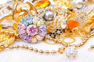 vecchi gioielli d'oro